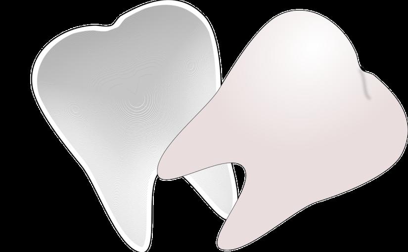 Prześliczne zdrowe zęby również powalający prześliczny uśmieszek to powód do zadowolenia.